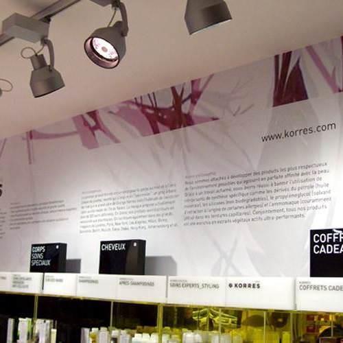 Impression numérique sur adhésif pour décoration murale