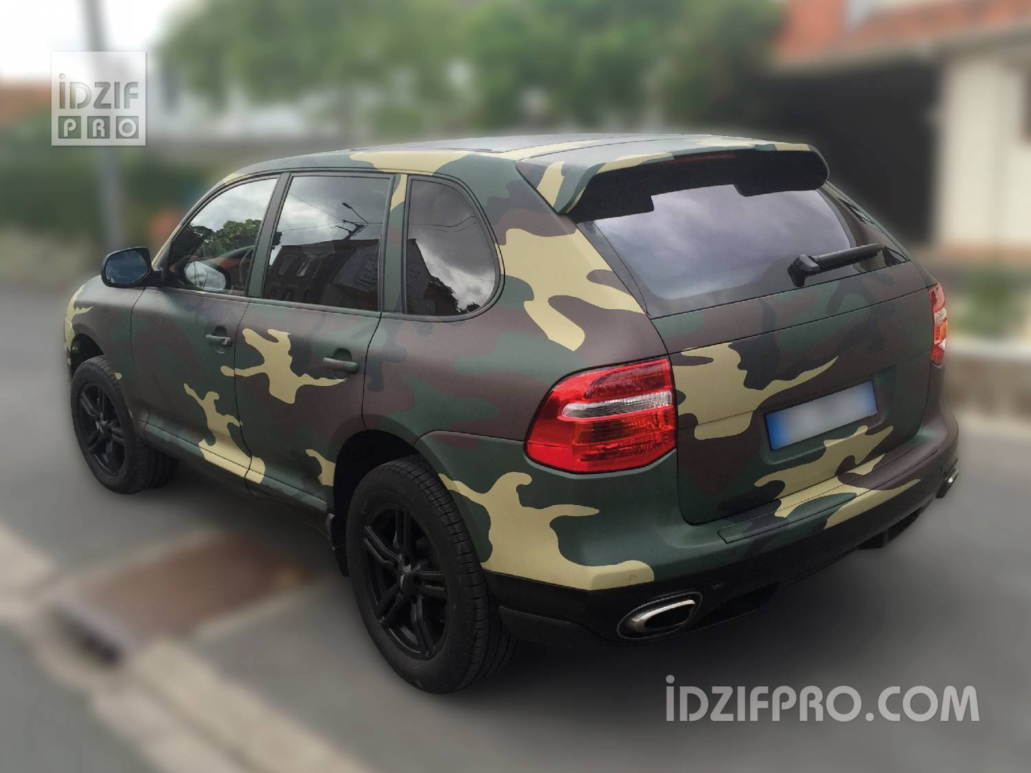 idzif pro covering camouflage militaire sur porsche cayenne. Black Bedroom Furniture Sets. Home Design Ideas
